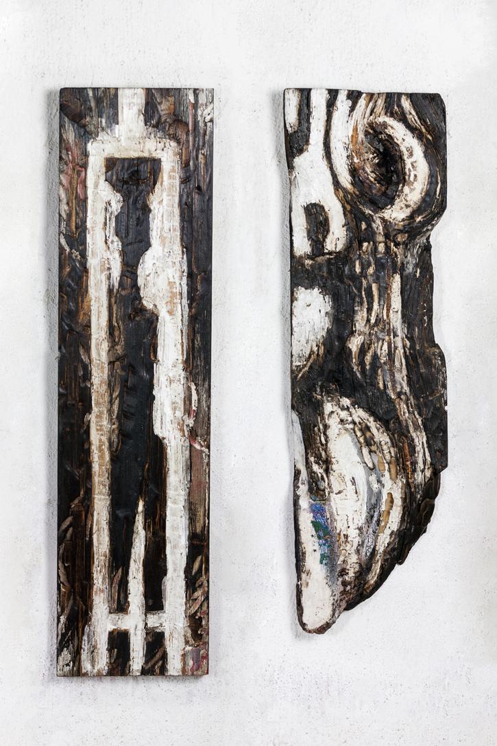12 Tragen und Mondentanz_ Holzrelief_ Kreide_ gebrannt 2016_ 100x26x3 cm_ 92x26x4 cm